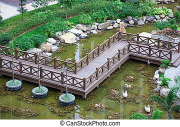 ジグザグ, 木製の橋