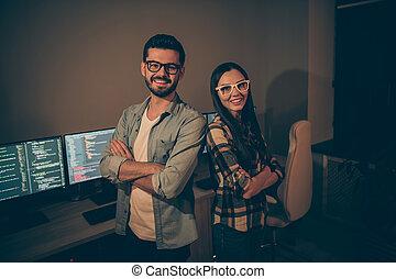 ジャワ, 原稿, 地位, 交差させる, 夜, プログラミング, 写真, パートナー, 人, オフィス, ビジネス, それ, 人々, コード, 痛みなさい, 屋内, 女性, coworking, 腕, 専門家, 2, 専門家