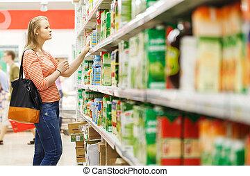 ジュース, 女性買い物, 若い, スーパーマーケット
