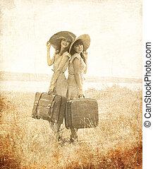 スタイル, レトロ, 女の子, スーツケース, 2, countryside.
