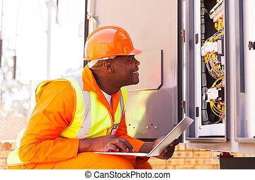ステータス, 電気技師, 点検, 機械, コンピュータ化された, アフリカ