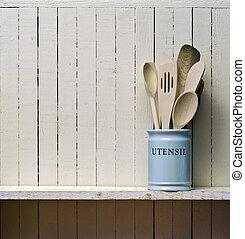 スペース, へら, 木製である, コピー, 台所, 壁, wall;, 無作法, 貯蔵, pot;, 優秀である, 棚, 陶磁器, 区域, utensils;, に対して, 上に, 料理, ∥など∥