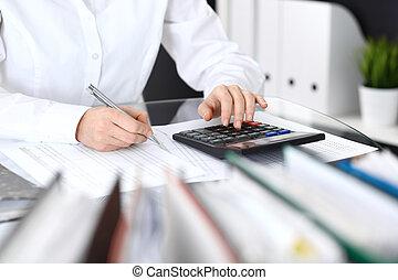 スペース, 女, 財政, コピー, バランス, 検査官, 計算, close-up., 点検, 概念, 監査, 簿記係...
