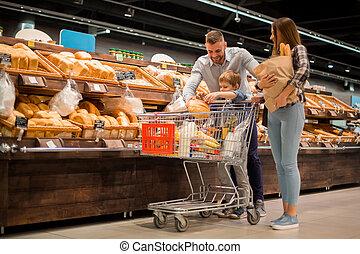スーパーマーケット, 選択, 若い 家族, bread