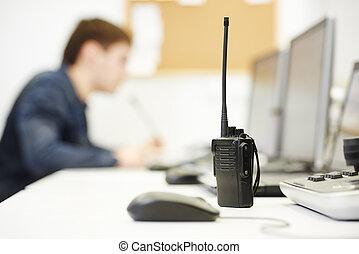 セキュリティー, ビデオ監視, 装置