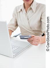 セクション, 女性買い物, 中央の, オンラインで