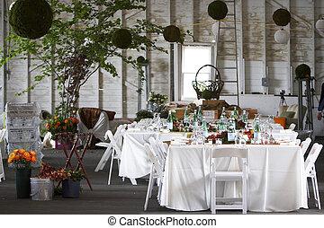 セット, ∥あるいは∥, 食事をする, 結婚式, テーブル, 企業である, でき事