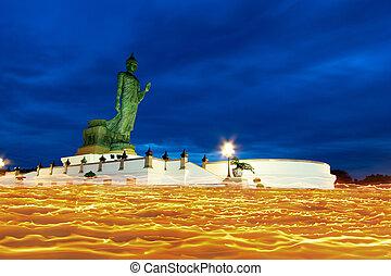 タイ, 日, asalha, 州, tha, 2012:, 祈る, monthon, 2, 仏教徒, puja, 仏, 8月, 信頼, 蝋燭, pathom, nakhon, 像, 敬意, たそがれ, ショー, -, つけられる, 高く, 歩きなさい