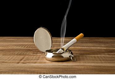 タバコ, ash-tray
