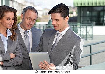 タブレット, ビジネス 人々, ミーティング, 外, 電子