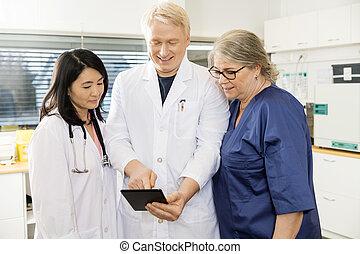 タブレット, 医者, デジタル, 医院, チーム, 使うこと