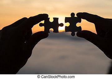 ターゲット, 女 シルエット, ビジネス, 成功, 恋人, 手, に対して, 日の出, 解決, 小片, 接続, ゴール, 概念, 作戦, 困惑