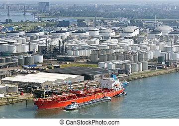 ターミナル, 石油タンカー