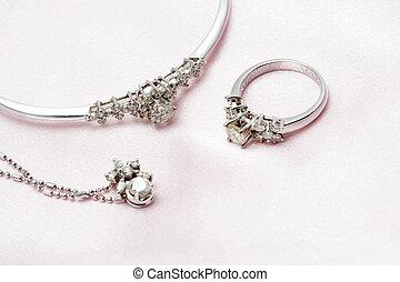 ダイヤモンド, 宝石類