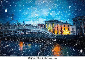 ダブリン, 雪, 夜