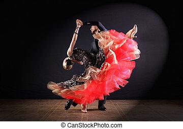 ダンサー, 中に, 舞踏会場, 隔離された, 上に, 黒い背景