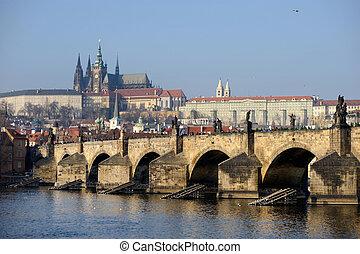 チャールズ 橋, そして, プラハ城