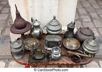 チュニジア, 骨とう品店