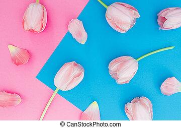 チューリップ, 花, 上に, パステル, 青, そして, ピンク, バックグラウンド。, 上, ビュー。, 平ら, 位置, 花のパターン