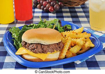 チーズバーガー, フライド・ポテト, ピクニックテーブル