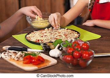チーズ, 子供, こまかく切られた, 広がる, -, 作成, 家, ピザ
