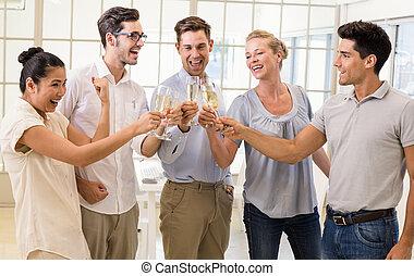 チーム, ビジネス臨時雇い, シャンペン, 祝う