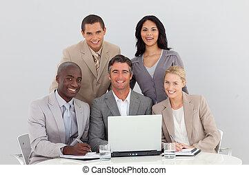 チーム, ビジネス, 仕事, 多民族, オフィス, 一緒に, 幸せ