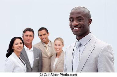 チーム, 彼の, 微笑, アフロ - american, ビジネスマン, 前部