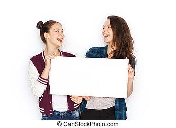 ティーンエージャーの少女たち, 板, 保有物, ブランク, 微笑, 白