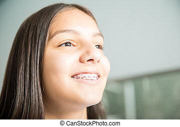 ティーンエージャーの, 歯医者の, 医院, 女の子の微笑, 支柱