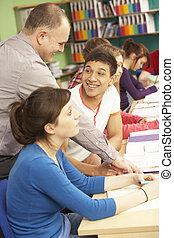 ティーンエージャーの, 生徒, 勉強, 中に, 教室, ∥で∥, 家庭教師