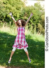 ティーンエージャーの, 自然, 腕, 跳躍, 上げられた, 女の子
