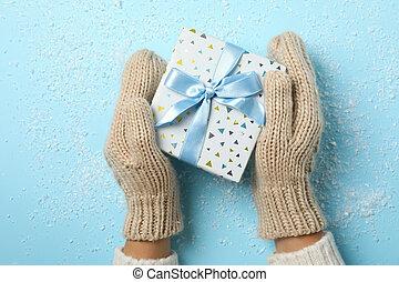 テキスト, 女の子, 保有物, 背景, 雪, 手, スペース, プレゼント, 青