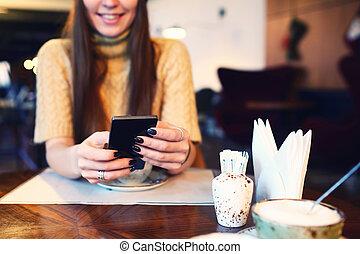 テキスト, break., 電話, 昇進, tonned., ビデオ, ブランク, 終わり, メッセージ, あなたの, 焦点を合わせなさい。, スペース, 細胞, scree, 情報通, 保有物, 内容, コーヒー, 監視, 女性, 電話, 精選する, 手, の間, コピー, 女の子, モビール, の上, 広告, ∥あるいは∥
