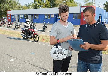 テスト, モーターバイク
