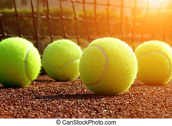 テニスボール, 法廷