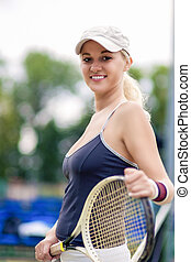 テニス, そして, 健康, 生活, concept:, 肖像画, の, ポジティブ, 微笑, 専門家, 女性, テニスプレーヤー, ポーズを取る, ∥で∥, ラケット
