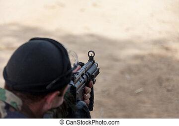 テロリスト, gunpoint, 保有物