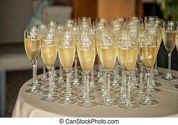 テーブル, シャンペン, たくさん, ガラス