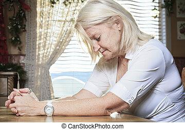 テーブル, 女, 引退した, 台所