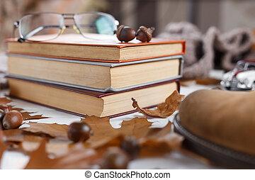 テーブル, 山, 概念, メガネ, 卵を生む, 本, 教育, top.