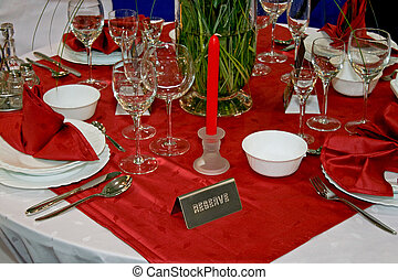 テーブル, 赤
