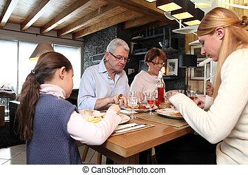 テーブル, 集まった, のまわり, 家族