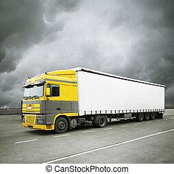 トラック, コマーシャル