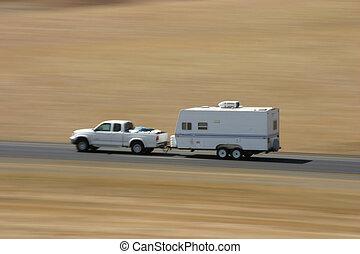 トレーラー, 強く引くこと, トラック