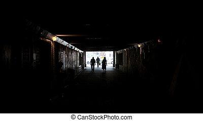 トンネル, ライト, の方に歩くこと, 端