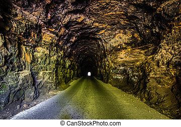 トンネル, nada