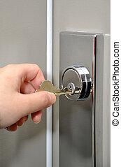 ドア, 錠を開けること