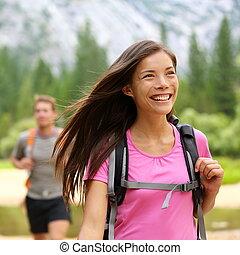 ハイカー, 女性ハイキング, 幸せ