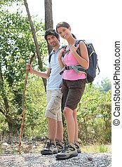 ハイキングを結びつけなさい